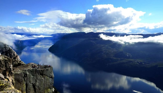 Preikestolen boat trip Intertours Norway